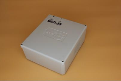 Бесперебойный блок питания ББП-20(П) пласт. корпус.  12В, 2А, под АКБ 7Ач