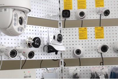 Поворотная WIFI видеокамера W3 с динамиком, микрофонном, слотом для карты памяти